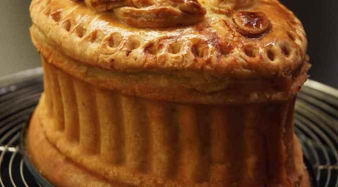 Pâté en croûte Richelieu, eine festliche Pastete für den Kulinarischen Adventskalender