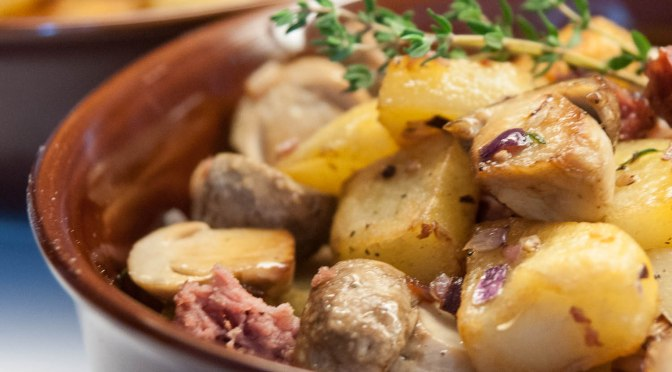 Kartoffel-Steinpilz-Salsiccia-Gröstl