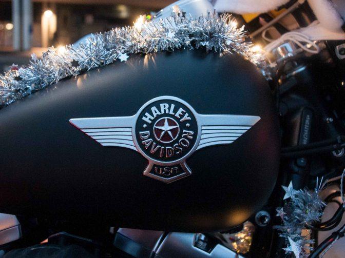 Nikolaus fährt Harley-Davidson