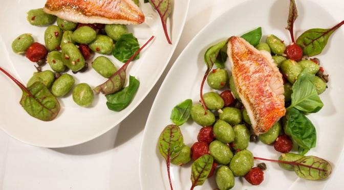 Olivengnocchi mit Rotbarbe