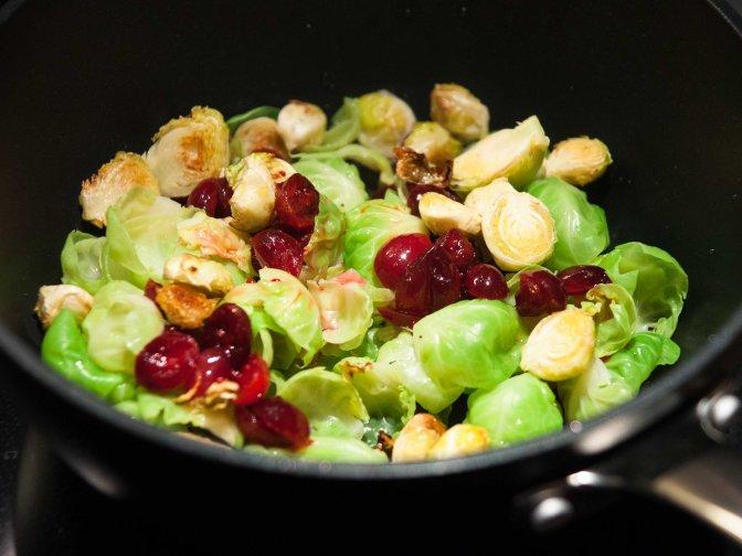 Rosenkohl mit SV-Cranberries und Kartoffelpuffer