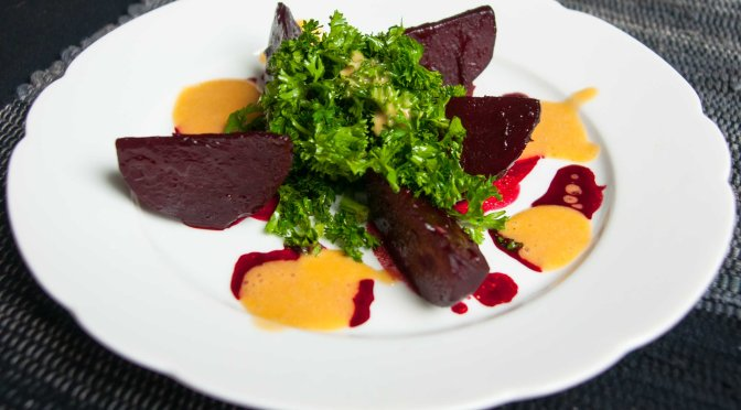 Berliner Küche: Rote Bete / Petersilie