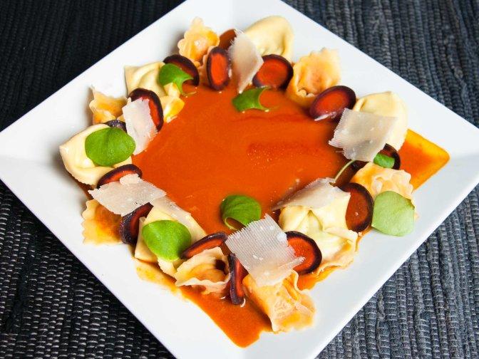 Tortellini an Ingwer-Karottensauce
