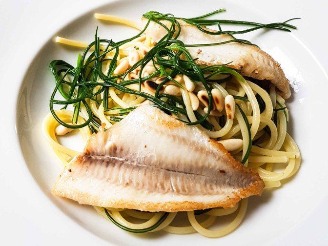 Spaghetti. Barba di Frate. Filetti di Pesce Persico agli Agrumi.