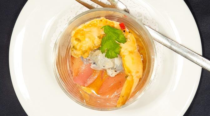 SwissShrimps mit weisser Pfirsichsalsa und Shrimps-Bisque