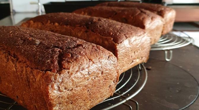 Le pain de Mme H. mit Beurre au poivre Voatsiperifery
